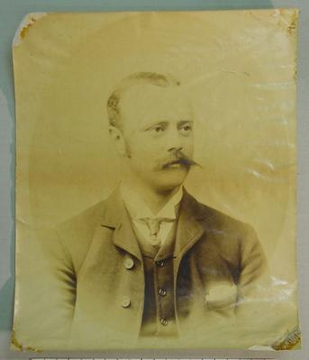 Photograph of WL Murdoch, c1884; Photography; M8047