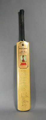 Bat - Benson & Hedges, Test Series, Australia v England, Centenary of the Ashes 1982-83, autographed by Australian and English teams