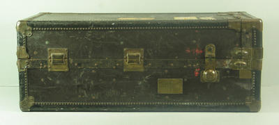 Leather travelling trunk, presented to Sir Hubert Opperman in 1934