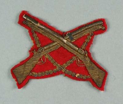 Bullion badge awarded to W Williams, crossed rifle design c1900s