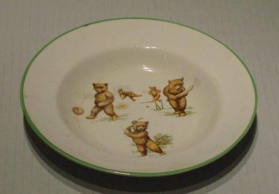 Mug, bears playing cricket design