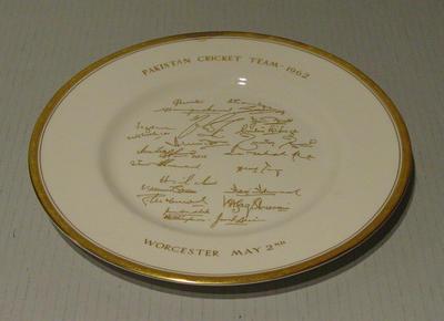 "Plate, ""Pakistan Cricket Team - 1962"""