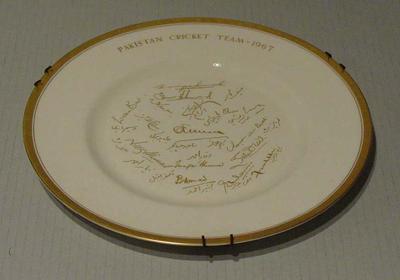 "Plate, ""Pakistan Cricket Team 1967"""