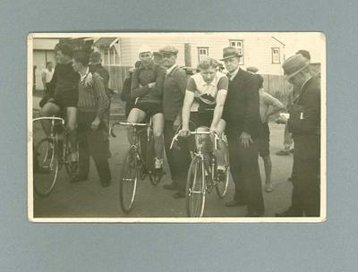 Black and white photograph of Ernie Milliken and two other cyclists at the start of the 1936 Wollongong 30 mile Handicap