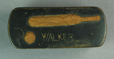 "Snuff box, image of cricket bat and ball; lid inscribed ""Walker"""