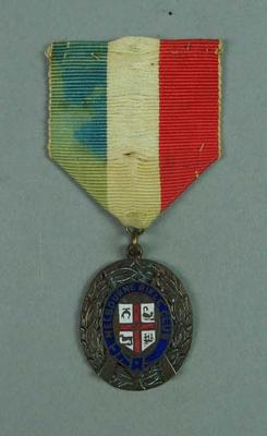 Medal awarded to W Williams, Melbourne Rifle Club v American Fleet 1908