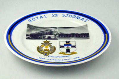 Commemorative plate, Royal vs S. Thomas - Centenary Cricket Match 1979