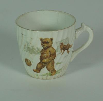Ceramic cup with teddy bear design