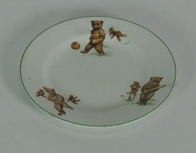 Ceramic plate with teddy bear design
