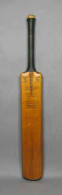 Bat signed used by  Herbert Strudwick 1924 - 1925 with team signatures