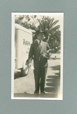 Black and white  photograph  of Australian cricketer Lindsay Hassett