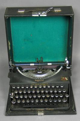 Typewriter, used by Jack Fingleton
