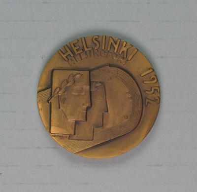Participant's medallion presented to Winsome Cripps, XV Olympia Helsinki 1952