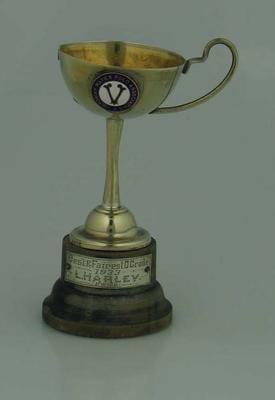 Trophy, VWPA D Grade Best & Fairest 1933