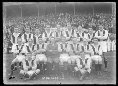 Glass negative, image of St Kilda Football Club team - 1935