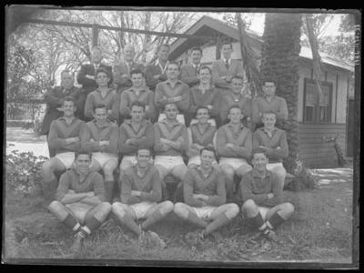 Glass negative, image of unknown football team