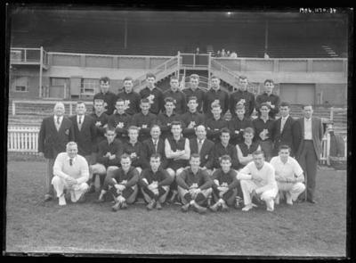 Glass negative, image of Carlton Football Club team
