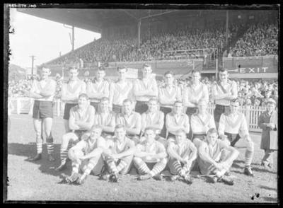 Glass negative, image of South Melbourne Football Club team