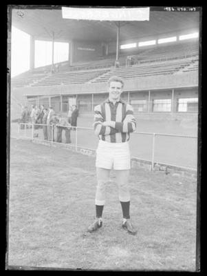 Glass negative, image of Hawthorn Football Club player - Terry Ingersoll