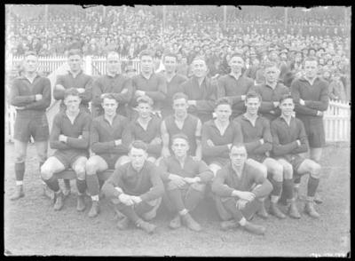 Glass negative, image of Melbourne Football Club team