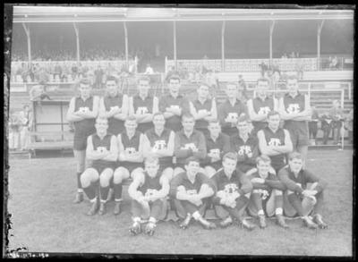 Glass negative, image of Fitzroy Football Club team