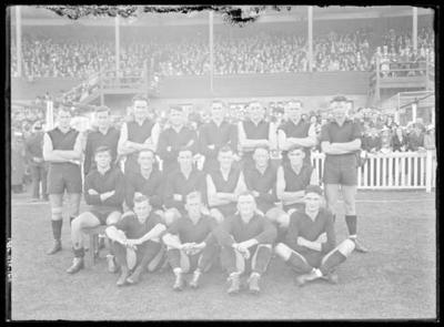 Glass negative, image of Essendon Football Club team