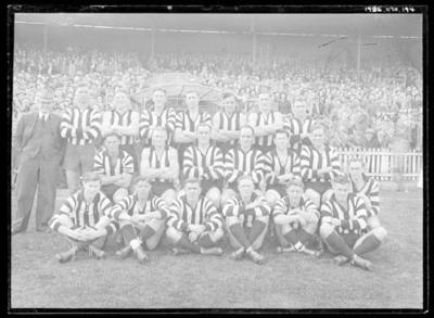 Glass negative, image of Collingwood Football Club team - 1947