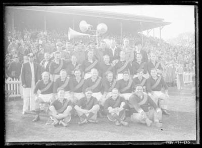 Glass negative, image of Richmond Football Club team