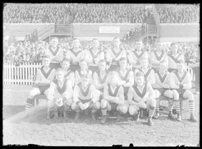 Glass negative, image of South Melbourne Football Club team; Photography; 1986.1170.417