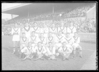 Glass negative, image of South Melbourne Football Club team; Photography; 1986.1170.447