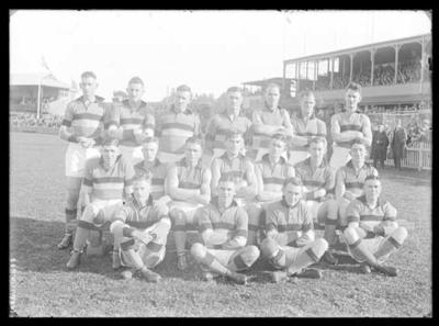 Glass negative, image of Footscray Football Club team; Photography; 1986.1170.483