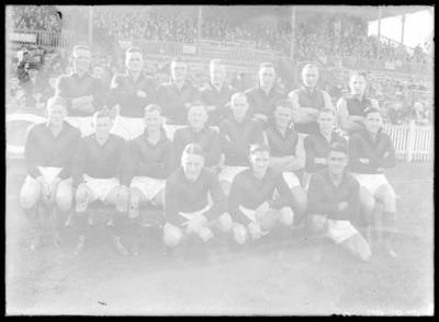 Glass negative, image of Hawthorn Football Club team - 1935; Photography; 1986.1170.491
