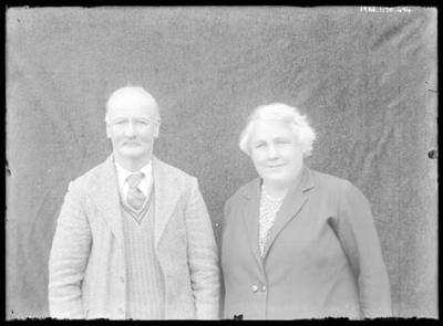 Glass negative, image of unknown elderly couple