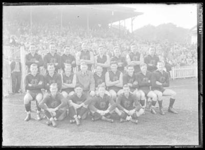 Glass negative, image of Fitzroy Football Club team; Photography; 1986.1170.516
