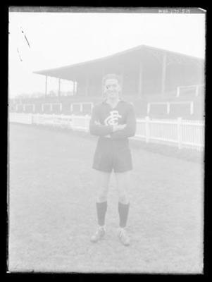 Glass negative, image of Carlton Football Club player; Photography; 1986.1170.519