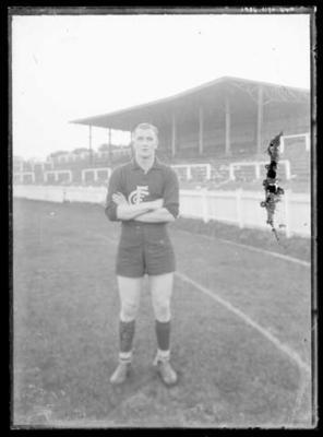 Glass negative, image of Carlton Football Club player; Photography; 1986.1170.640