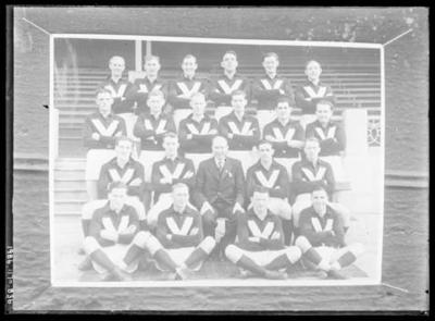 Glass negative, image of Victorian representative football team
