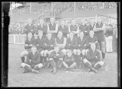 Glass negative, image of Essendon Football Club team - 1938; Photography; 1986.1170.1021