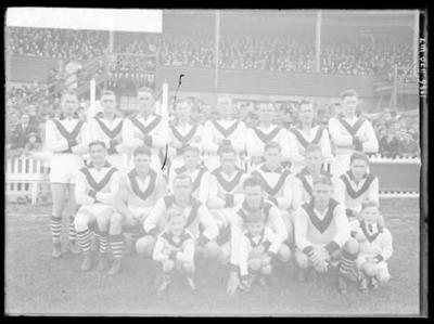 Glass negative, image of South Melbourne Football Club team; Photography; 1986.1170.1117