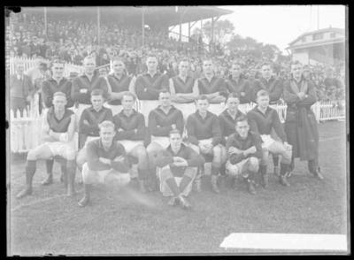 Glass negative, image of Hawthorn Football Club team - 1939; Photography; 1986.1170.1170