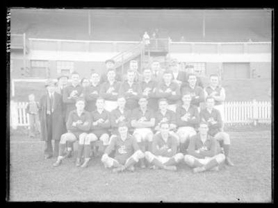 Glass negative, image of Carlton Football Club team; Photography; 1986.1170.1228
