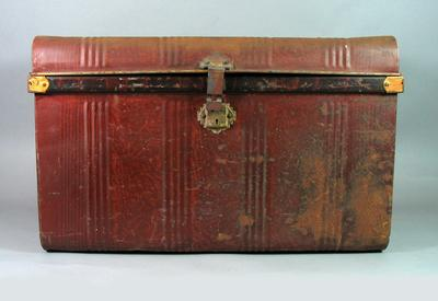 Trunk, used by Harry Morris