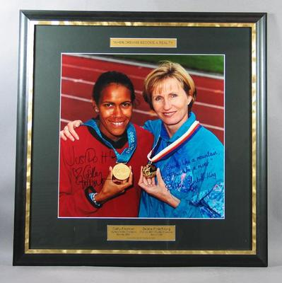 Photograph of Cathy Freeman and Debbie Flintoff-King, April 2002