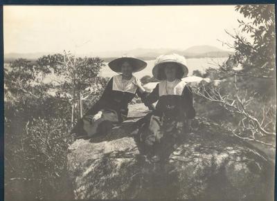 Photograph from Frank Laver's photograph album, circa 1909