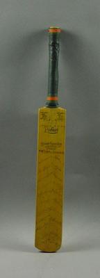 Miniature bat with signatures of Australian & English teams matches 18-23/12/1936