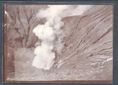 Photograph from Frank Laver's photograph album, travel scenes
