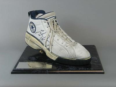 Basketball Shoe worn & signed by John Dorge, 1996 Atlanta Olympic Games