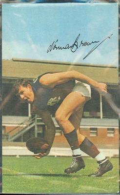 1965 Mobil VFL Footy Photos Norm Brown trade card