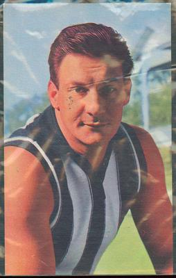 1965 Mobil VFL Footy Photos Ray Gabelich trade card