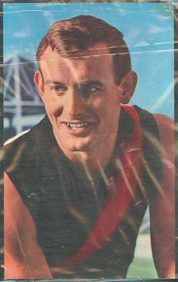 1964 Mobil VFL Footy Photos Ken Fraser trade card